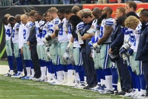 For the second week in a row, an NFL team observe a moment of silence for the death of a teammate