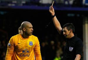 Tim Howard's first red card in 10 years in the Premiership