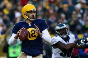 In a throwback uniform, Aaron Rodgers had a throwback performance to…Week 10